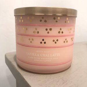 White Barn Vanilla Chai Latte 3 wick Candle B&BW